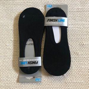 6 Pairs Black Finish Line Men's No Show Socks